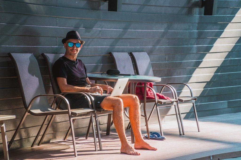 diseñador web freelance final de vacaciones